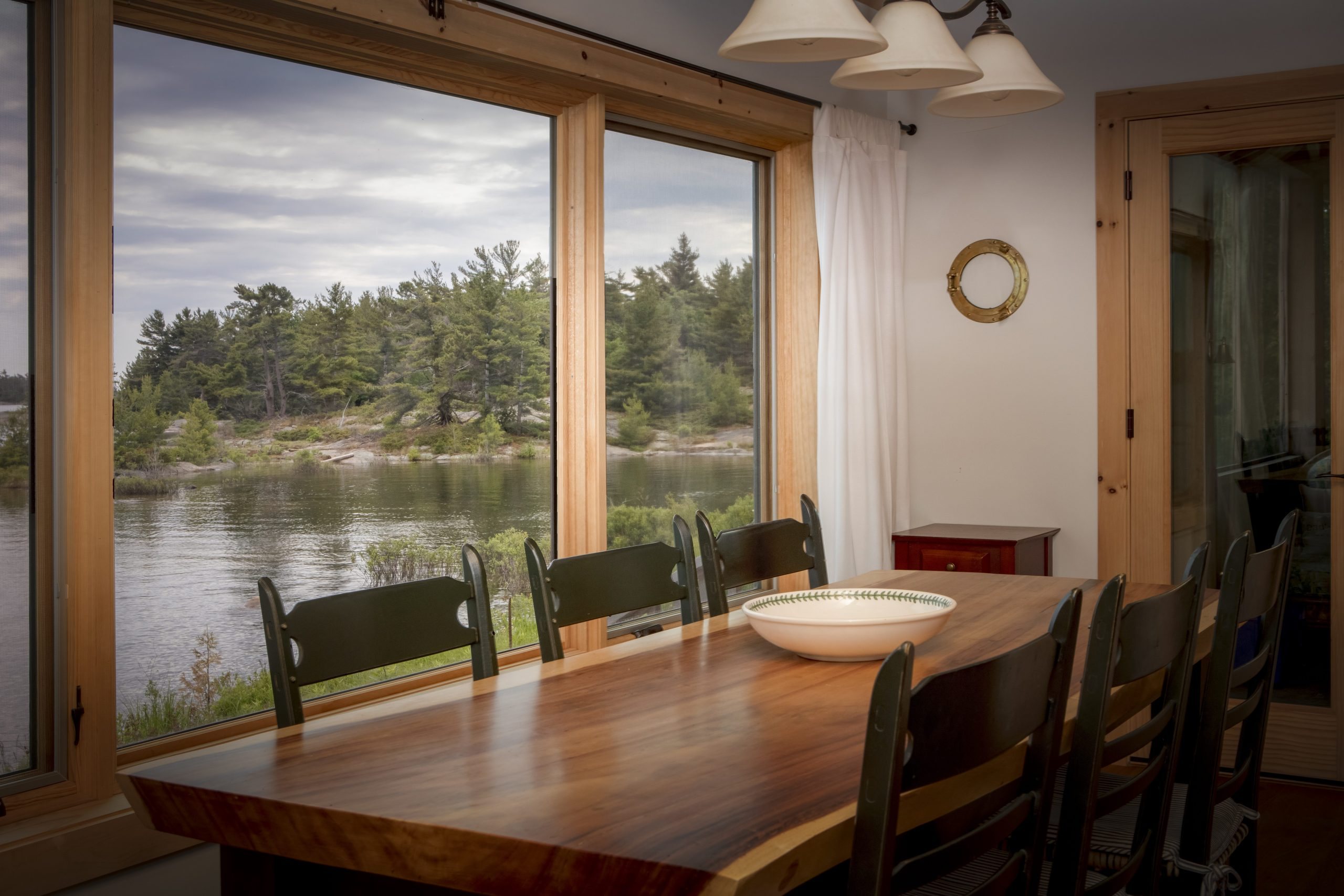 Normerica Timber Frame, Architects & Builders, Collaboration, Lakeside Cottage, Georgian Bay, Dining Room
