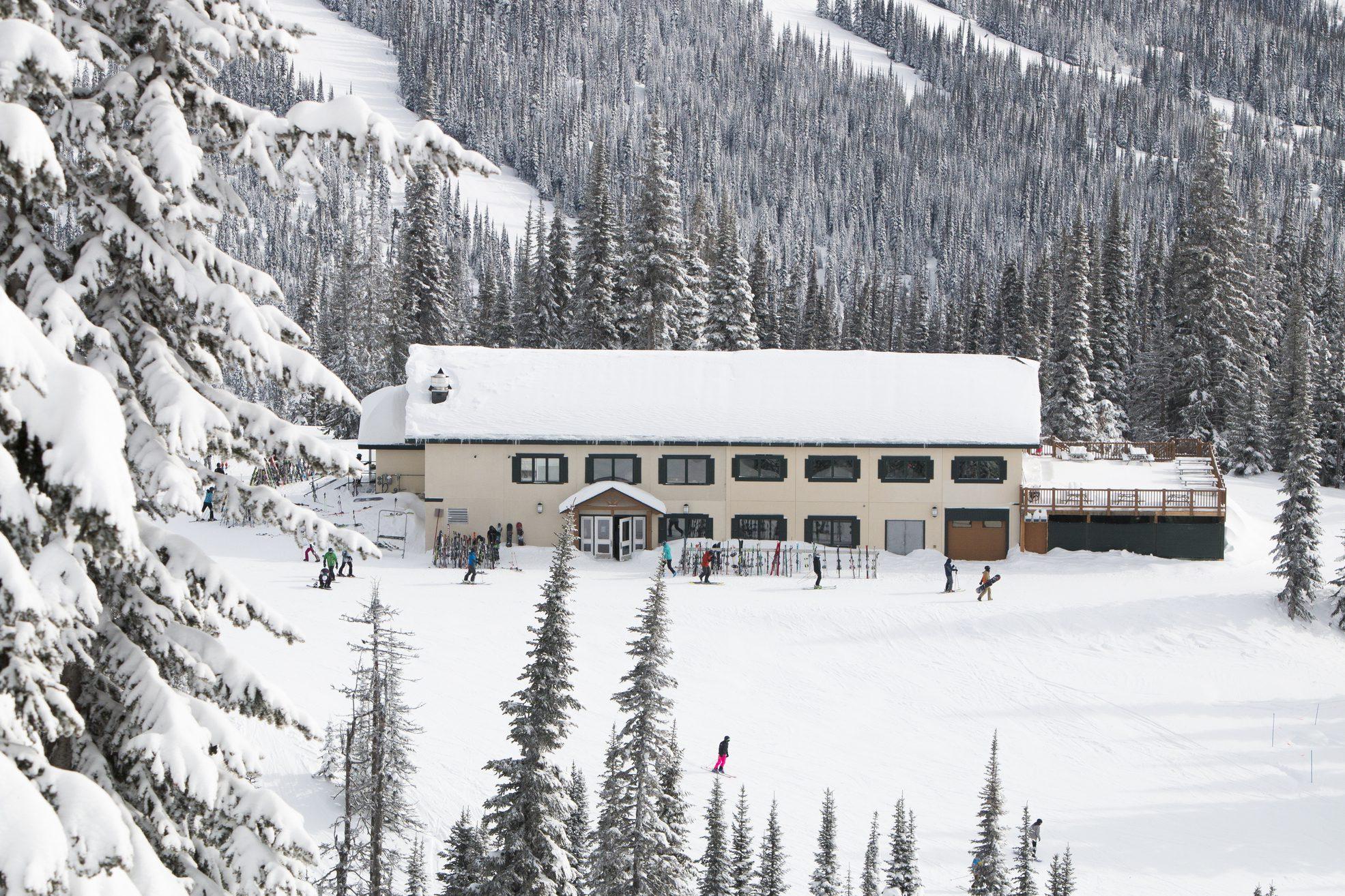 Normerica Timber Frames, Commercial Project, Sun Peaks Resort, Mid Mountrain Lodge, Ski Resort, Sun Peaks, British Columbia, Exterior