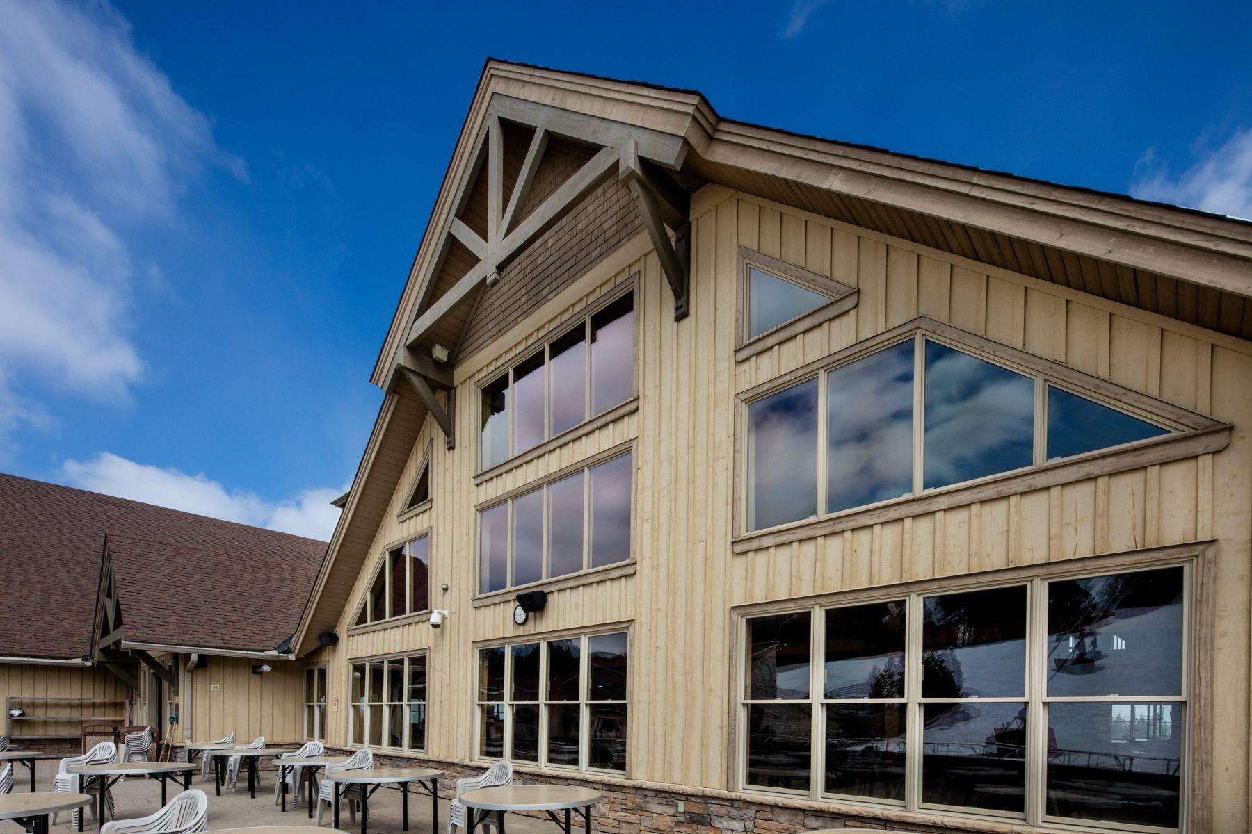 Normerica Timber Frame, Commercial Project, Craigleith Ski Club, Ski Resort, Collingwood, Ontario, Exterior