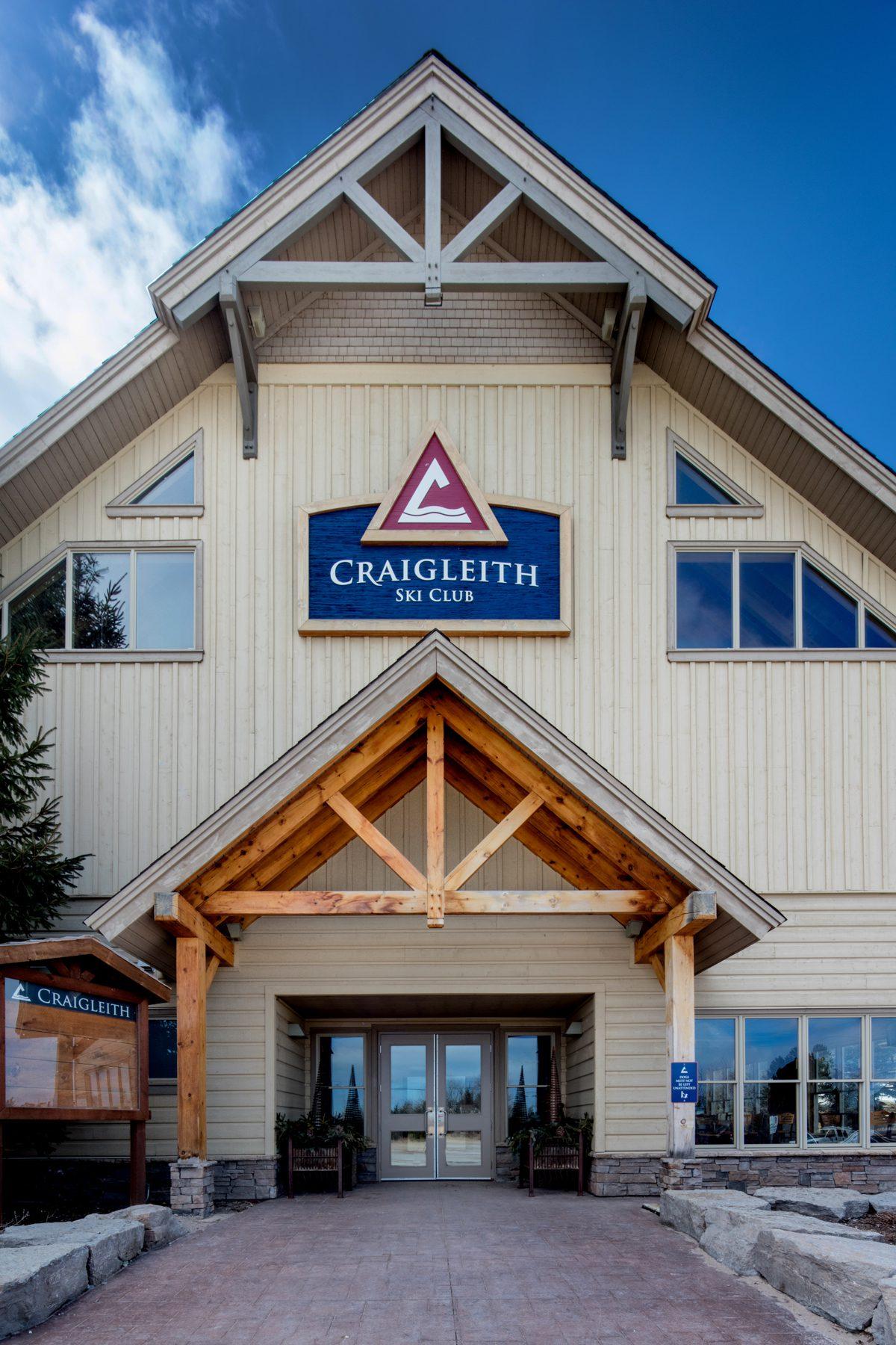Normerica Timber Frame, Commercial Project, Craigleith Ski Club, Ski Resort, Collingwood, Ontario, Exterior, Entrance