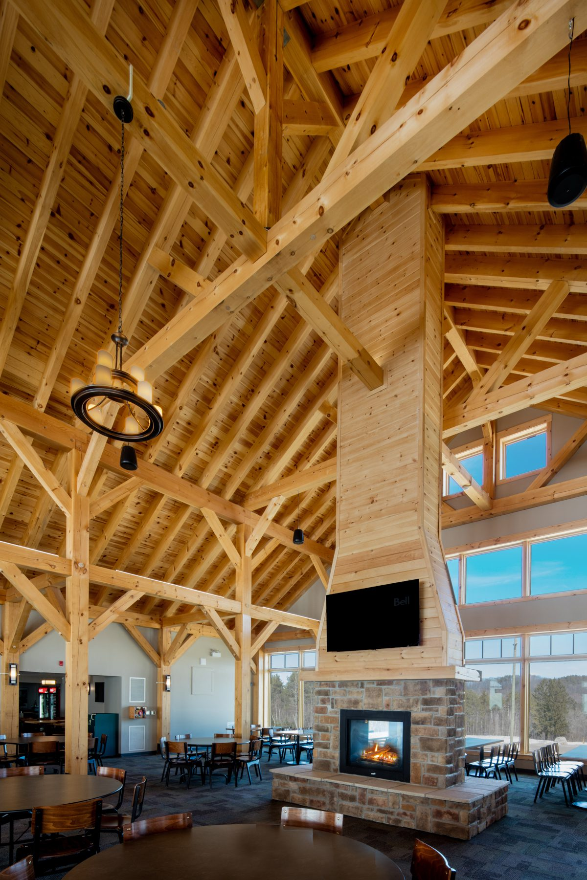 Normerica Timber Frames, Heights of Horseshoe, Ski & Country Club, Commercial Projects, Barrie, Ontario, Interior, Clubhouse, Fireplace