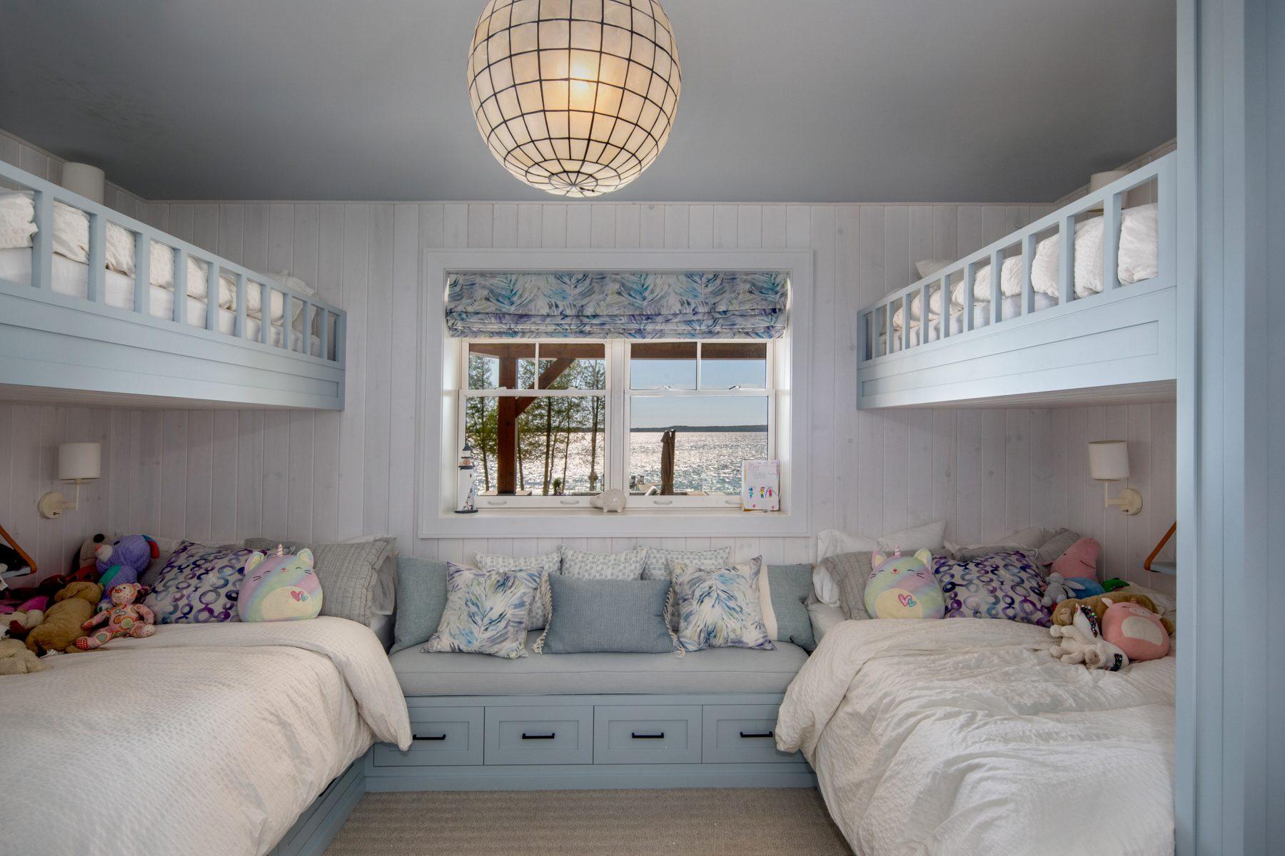 Normerica-Timber-Homes-Timber-Frame-Portfolio-Beachside-Bliss-Interior-Bunk-Room