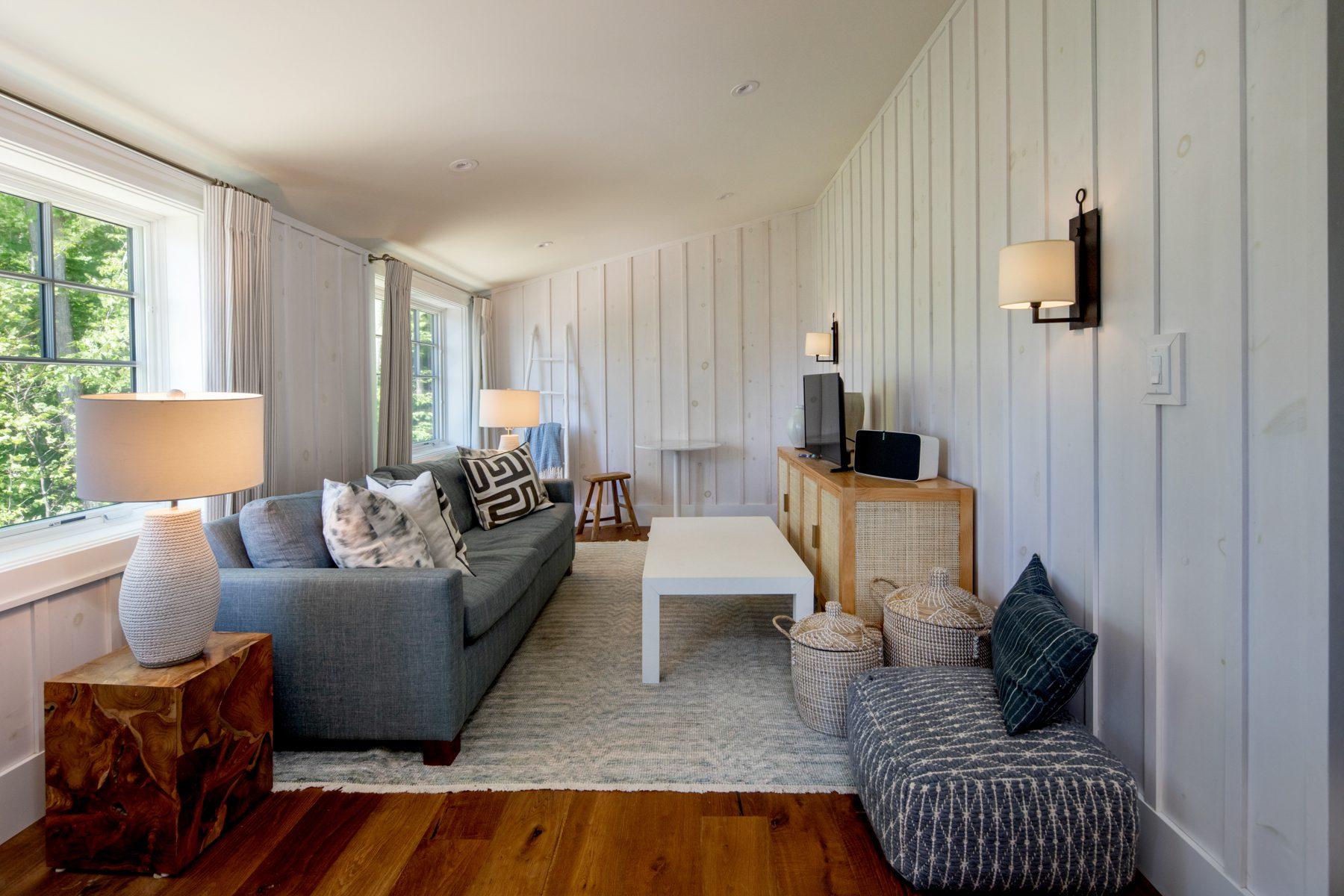 Normerica-Timber-Homes-Timber-Frame-Portfolio-Beachside-Bliss-Interior-Suite-Above-Garage-Living-Area